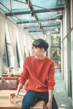 "on pic"" Korean Fashion Men, Korean Street Fashion, Mens Fashion, Fashion Hair, Beautiful Boys, Pretty Boys, Song Wei Long, Asian Haircut, Actor Model"