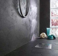 Relooker une douche italienne avec du béton minéral