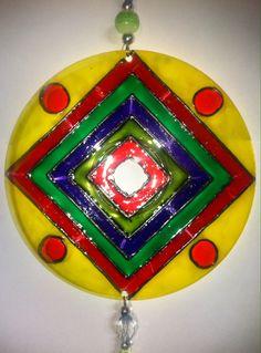 Fabricadas a mano,coloreadas con pintura de vidrio y decoradas con mostacillas…