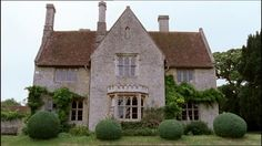 """MIDSOMER MURDERS : The Fisher King, S7E3 S7E3, """"The Fisher King"""" was filmed in Great Haseley, Oxfordshire, England, UK and offered a beautiful array of lush greenery and quaint home exteriors. Set in Midsomer Barrow, the episode includes festival scenes with a lovely sun setting sequence.  There was no shortage of lovely interior shots as well, both posh and humble. Several common angles of interior shots with views out from windows and doors, high angles as seen from atop stairways..."""