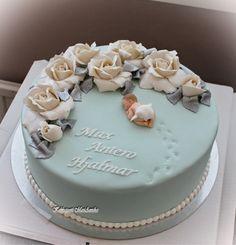 Kakkupuoti MariAnnika: Max Antero Hjalmarin ristiäiskakku Birthday Cake Roses, Birthday Sheet Cakes, First Birthday Cakes, Pretty Cakes, Cute Cakes, Beautiful Cakes, Baby Christening Cakes, Ballerina Cakes, Baby Girl Cakes