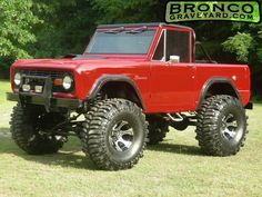 Old school and never giving her up. Old Bronco, Bronco Truck, Early Bronco, Jeep Truck, Cool Trucks, Pickup Trucks, Cool Cars, Classic Bronco, Classic Trucks
