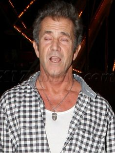 The Drunk Celebrity Hall Of Fame Mel Gibson Good Looking Actors, Never Let Me Down, Party Like Its 1999, Drunk People, Goldie Hawn, Bad Picture, Mel Gibson, Great Photographers, Without Makeup