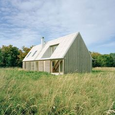 Summer house in Fårö, Sweden by Larsson Lindstrand Palme Architects #pitched_roof #wood
