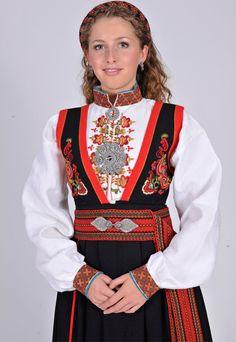 Øst-Telemark | Norske Bunader Folklore, Norway, Scandinavian, Bell Sleeve Top, Costumes, How To Make, Beautiful, Women, Fashion