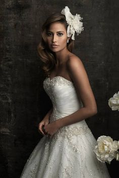 Wedding dress - Allure Bridals 8769