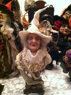 At the Ghoultide Gathering an art doll bust by figurative art doll artist Dustin Poche Halloween Doll, Halloween Crafts, Halloween Decorations, Kobold, 3d Figures, Soft Sculpture, Paper Sculptures, Paperclay, Beautiful Dolls