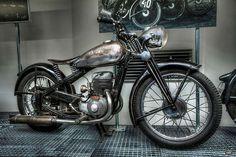 Custom Motorcycles, Custom Bikes, Cars And Motorcycles, Hot Cars, Bobber, Motorbikes, Rockabilly, Vehicles, Classic