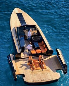 Spread out! EVO43 by Blu Martin Yachts |