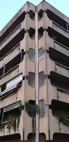 """PISA. Forza Italia chiede al Comune di affrontare la questione del complesso immobiliare """"Pisa 81"""": si tratta degli edifici costruiti negli anni Ottanta nell'area dell'ex fabbrica Richard Ginori,..."""