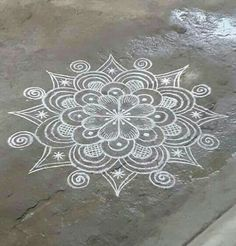 creative easy rangoli designs with side borders Indian Rangoli Designs, Simple Rangoli Designs Images, Rangoli Designs Flower, Rangoli Border Designs, Rangoli Designs With Dots, Flower Rangoli, Beautiful Rangoli Designs, Mehandi Designs, Rangoli Borders