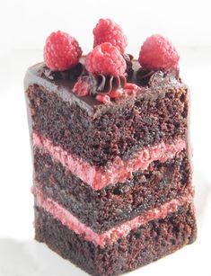 Chocolate Raspberry Truffle Layer Cake – Say it With Cake Sour Cream Chocolate Cake, Chocolate Raspberry Cake, Sour Cream Cake, Rasberry Cake, Raspberry Torte, Chocolate Delight, Strawberry Cakes, Chocolate Desserts, Raspberry Buttercream