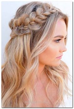Easy Hairstyle: Half Up Half Down… Easy Hairstyle: Half Up Half Down http://www.fashionhaircuts.party/2017/06/08/easy-hairstyle-half-up-half-down/