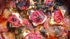 Focaccia with roasted tomatoes and onions this has me written all over it Onion Recipes, Easy Bread Recipes, Fish Recipes, Focaccia Bread Recipe, Flatbread Recipes, Dried Tomatoes, Roasted Tomatoes, Bread Appetizers, Appetizer Recipes