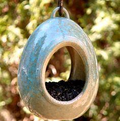 Керамическая кормушка для птиц