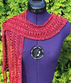 fad522558ccd Écharpe bijou, foulard fait main, écharpe dentelle, cravate femme, collier  crochet, tour de cou franges nylon rouge