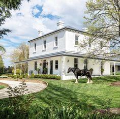 American Farmhouse, Farm Photo, Melbourne House, Fantasy Landscape, Maine House, Curb Appeal, Exterior, House Design, Country