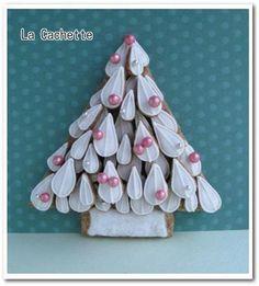 『ホワイトクリスマスツリーのアイシングクッキー』