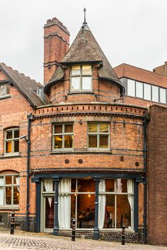 Pretty brick building in Nottingham, England #nottingham #nottinghamshire #england #uk