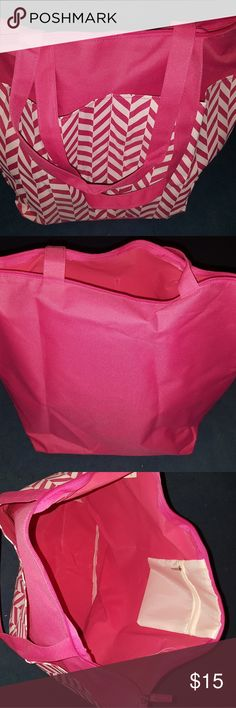 Pink Chevron Diaper Bag Pink Chevron Diaper Bag - Never been used - It could be use for diaper bag, travel bag or any other type of bag Bags Baby Bags