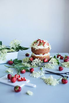 Strawberry elderflower cake.   Looks stunning. Elderflowers can be bought in season from http://maddocksfarmorganics.co.uk