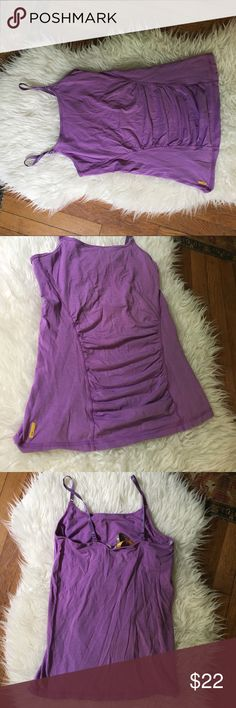 Lole Women work out tank Like new Lole women workout tank. You can also wear day to day. A nice cotton material with a built in bra. Size M and a pretty purple. Lole Tops Tank Tops