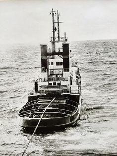 Sea Storm, Merchant Marine, Tug Boats, Shipwreck, Ship Art, Deep Sea, Nautical Theme, Paddle, Sailing Ships