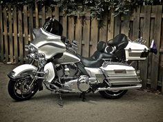 2009 Harley Davidson FLHTCU - Ultra Classic Electra Glide - For Sale