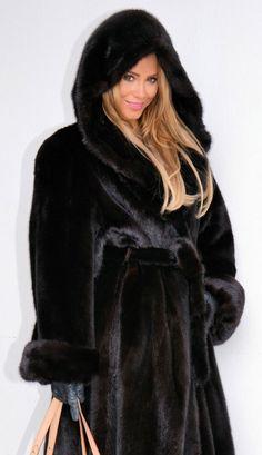 Fur Fur Jacket, Fur Coat, Fur Fashion, Womens Fashion, Black Hood, Mink Fur, Leather Gloves, Mantel, How To Wear