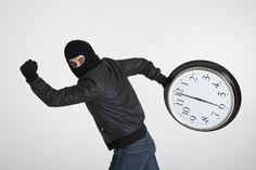 5-ladroes-de-tempo-eles-estao-roubando-seu-tempo-para-estudar-e-como-neutraliza-los/