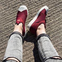 6รองเท้าผ้าใบสีไวน์แดงกำมะหยี่