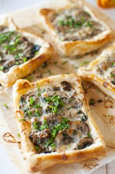 Mini Mushroom Tarts. So yummy and so EASY!!!! #vegetarian
