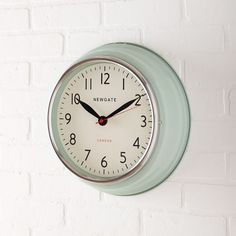 Newgate Cookhouse Clock - Kettle Green - love this. Time to replace old kitchen clock Modern Clock, Modern Wall Art, Modern Decor, Make A Clock, Mirror Wall Art, Mirrors, Kitchen Wall Clocks, West Elm, Decoration