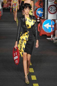 Moschino, P-E 16 - L'officiel de la mode
