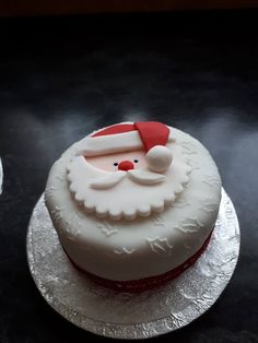 Christmas Cake In 2019 Christmas Cake Designs Christmas Home Decor 19 Christmas Cake Decorations 23 Reindeer 11 Christmas Cake Decoration& The post Cake Topper Christmas Cake Ideas 2019 appeared first on The Cake Boutique. Mini Christmas Cakes, Christmas Themed Cake, Christmas Cake Designs, Christmas Cake Topper, Christmas Cake Decorations, Christmas Sweets, Holiday Cakes, Christmas Cooking, Xmas Cakes