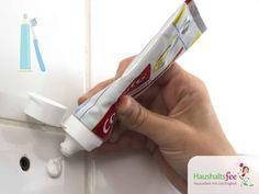 Zahncreme kann man für vieles mehr nutzen. Entdecke auf Haushaltsfee.org 18 Tricks der Zahncreme Anwendungen, dich dich total überraschen werden.