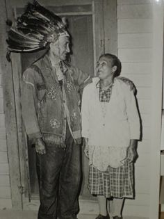 Samuel Taylor Blue and his wife, Louisa Blue - Catawba - no date. My mother knew a Chief Blue in Rock Hilo, SC, in her childhood Indian Tribes, Native American Tribes, Native Indian, Native Americans, Catawba Indians, Catawba River, Indian English, Indian Heritage, First Nations