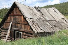 Old homestead cabin - Cariboo Hwy 97 - Picture of Cariboo & John Hart Highways, Prince George - Tripadvisor Country Barns, Old Barns, British Columbia, Homesteading, Trip Advisor, Prince, Cabin, Photo And Video, Pictures