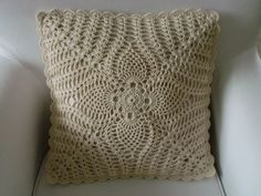 Crochet Bedspread Pattern, Crochet Pillow Patterns Free, Crochet Lace Edging, Pillowcase Pattern, Granny Square Crochet Pattern, Crochet Squares, Filet Crochet, Crochet Doilies, Knitting Patterns