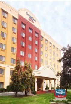 TownePlace Suites by Marriott Albany Downtown/Medical Center Albany (New York) Situated 6 miles from Albany International Airport, this all-suite hotel features an indoor pool and a contemporary fitness centre. Private car parking and Wi-Fi access are both free of charge.