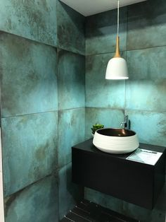 The Sleek and Stylish Wet Rooms for a Trendy Look! Beautiful Bathrooms, Modern Bathroom, Small Bathroom, Master Bathroom, Bathroom Plants, Industrial Bathroom, Bathroom Wall, Bathroom Lighting, Bathroom Ideas