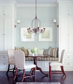 Love this cozy little dining nook {via Decorpad} by victoria