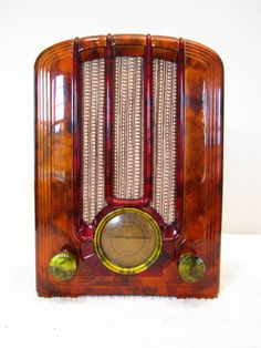 Vintage 1939 Antique Streamlined Old Art Deco Bakelite Radio Quality Restoration