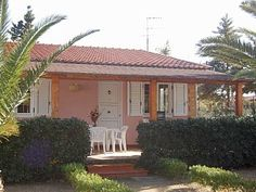 Bright and welcoming villa 50 meters from the beach