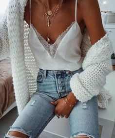 Shared by Vogue. Find images and videos about girl, fashion and outfit on We Heart It - the app to get lost in what you love. Mode Outfits, Fall Outfits, Casual Outfits, Summer Outfits, Fashion Outfits, Fashion Trends, Luxury Fashion, 30 Outfits, Fashion Clothes