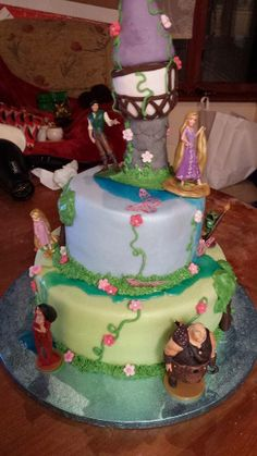 Jennifer Gibson's Tangled cake