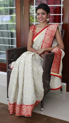 Love the Red and White and the textures incorporated Ethnic Sarees, Indian Sarees, Indian Attire, Indian Wear, Pakistani Outfits, Indian Outfits, Ethnic Fashion, Asian Fashion, Desi Clothes