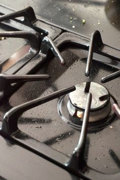How To Clean Enameled Cast Iron Stove Grates — Cleaning Lessons from The Kitchn