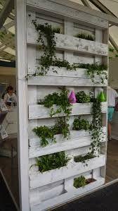 kuormalavasta kasvilava seinälle - Google-haku