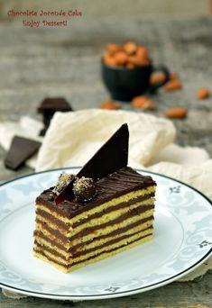 Cake layered with chocolate Chocolate Cream, Homemade Chocolate, Chocolate Cakes, Cake Factory, Something Sweet, Cupcake Cakes, Cupcakes, Cheesecake, Caramel